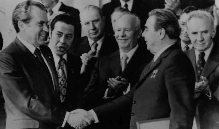 Nixon and Russian President Leonid Brezhnev.png